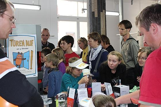 Kleine_und_große_Mausfans_begeistert_von_der_Maus_im_Glas_3 promotion products