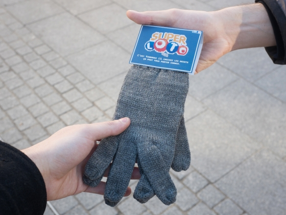 LOTO_GLOVES_DISTRIBUTION