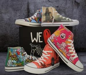 sneaker 300x263 - Kult am Fuß
